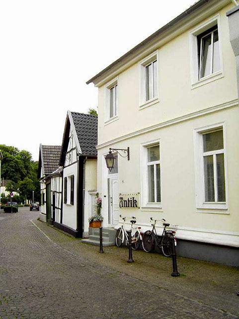 Altes Fachwerkensemble in der Rheinstraße