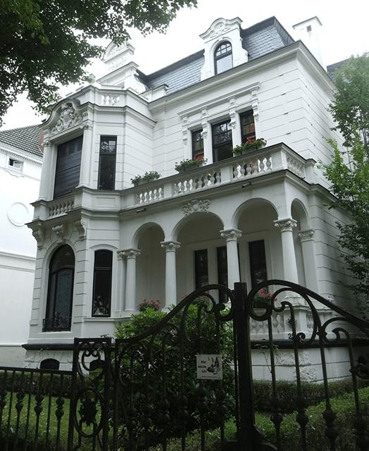 Blick auf die Villa Hollandia