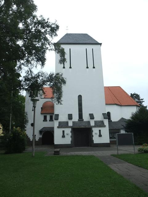 Blick auf die Herz-Jesu-Kirche