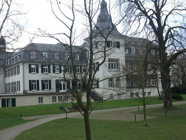 Blick auf das Schloss Deichmanns Aue