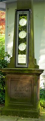 Wettersäule (vom Verein 1876 für Brunnenallee gestiftet, jetzt im Stadtpark)
